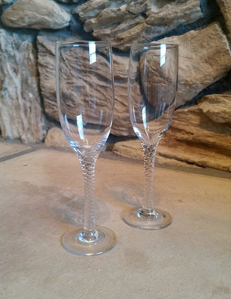 Twisty Fluted Stemware - The Other Alley