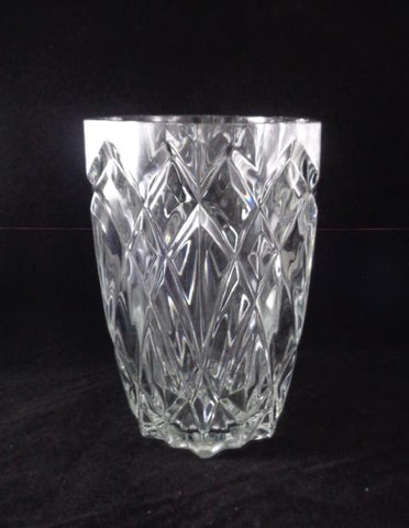 Crystal Vase With Cut Diamond Pattern - The Other Alley