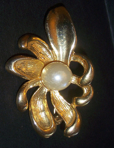 Gold Tone Flower with Pearl Center  Vintage - The Other Alley
