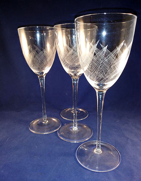 Extra Large Leaf Etched Wine Glasses - The Other Alley