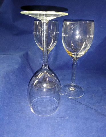 2 Light And Delicate Red Or Burgundy Wine Glasses - The Other Alley