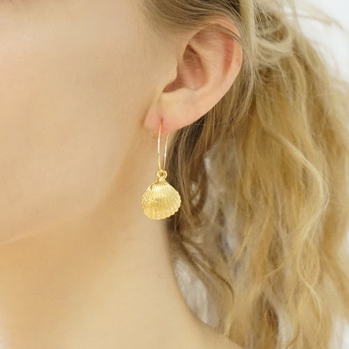 Dainty Shell Hoop Earrings