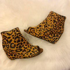 NAUGHTY MONKEY Leopard KUDA Peep Toe Wedges
