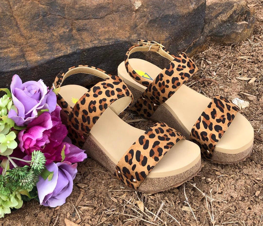 VERY VOLATILE Leopard FLIRTATION Wedge Sandal