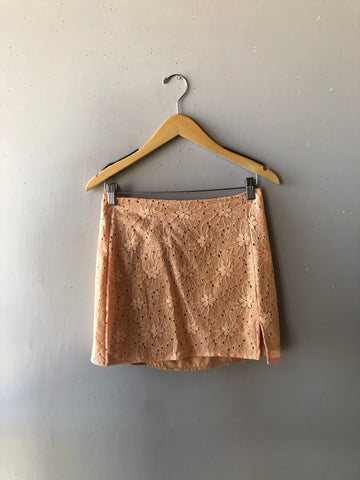 STEP BACK Eyelit Slit MINI Skirt