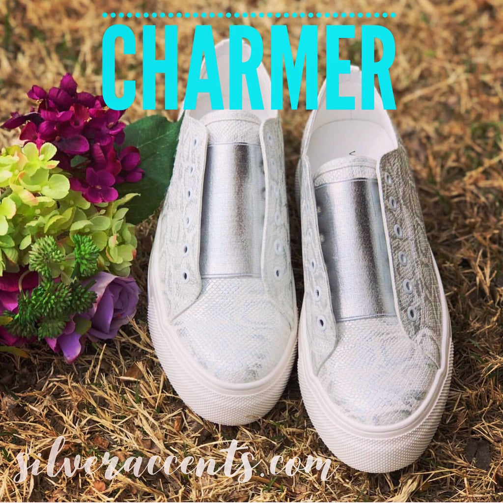 VERY VOLATILE White CHARMER Embossed Snake Platform SlipOn Sneaker Shoe
