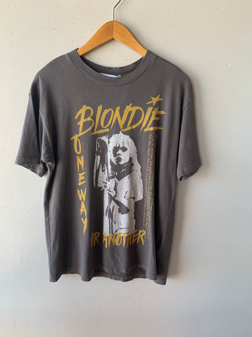 DAYDREAMER BLONDIE 1 Way Or Another Washed Black Top