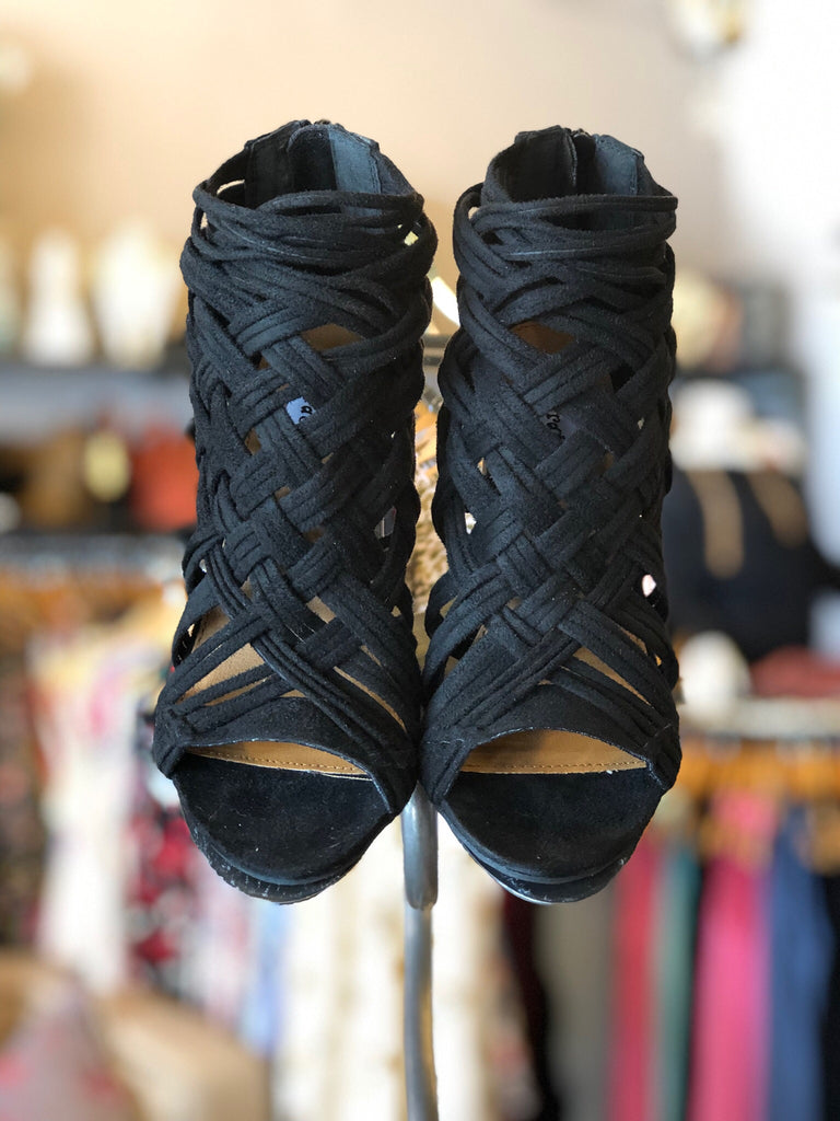 NOT RATED Black SILICA Strappy Peeptoe Sandal Shoe