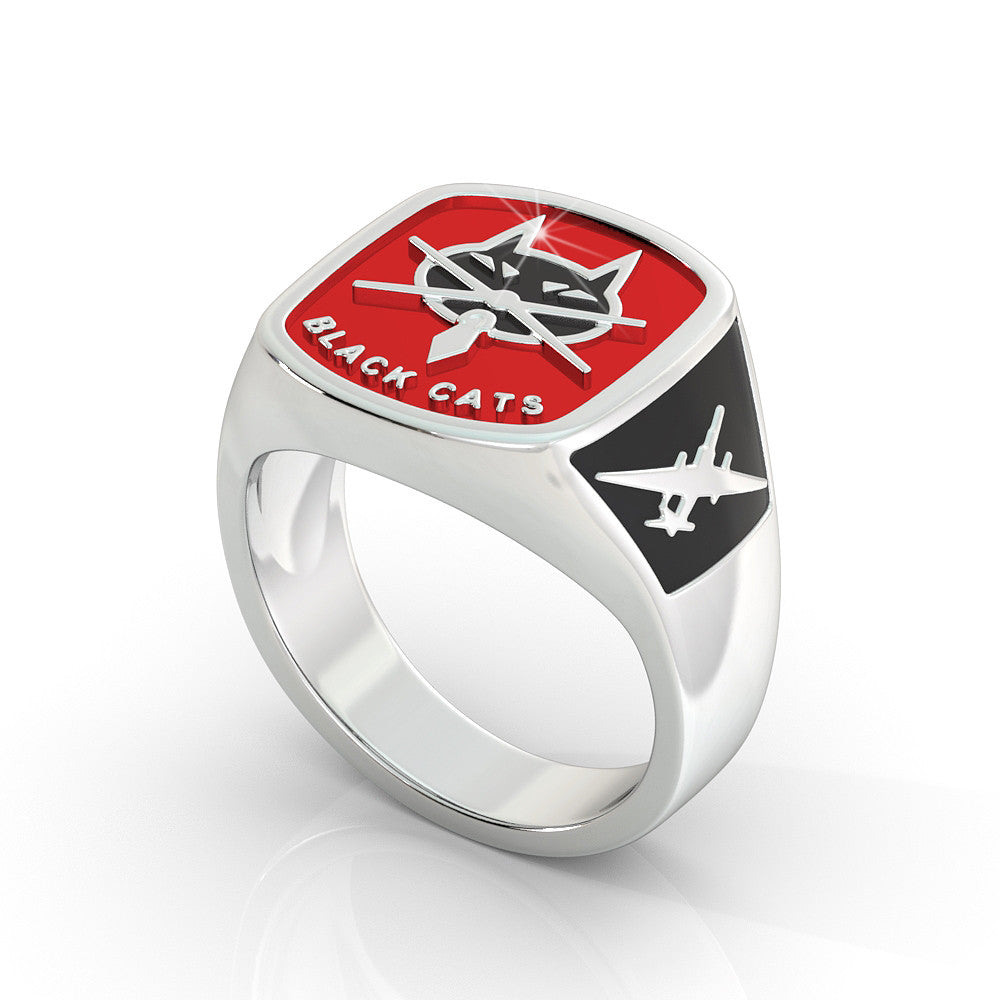 Ladies Black Cats Ring