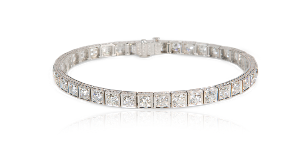 Art Deco Platinum & Diamond Line Bracelet (9 Carats)