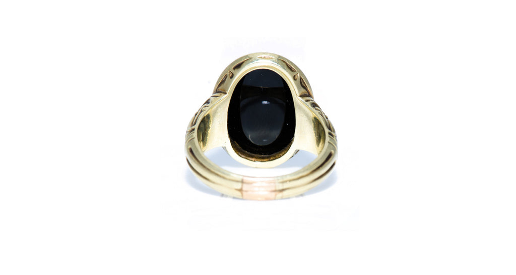 Victorian Signet Ring in 14K Yellow Gold