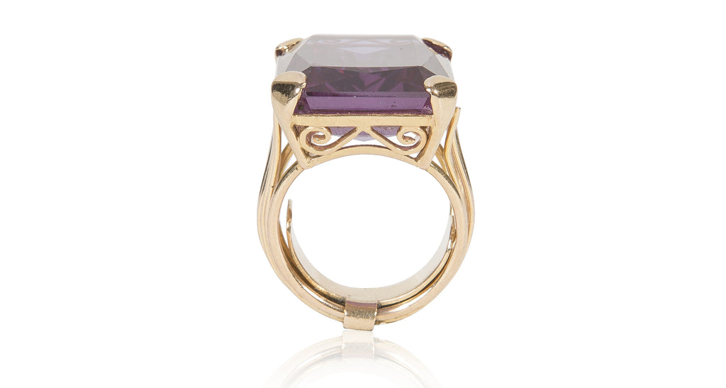Vintage 1960s Gold & Purple Sapphire Ring