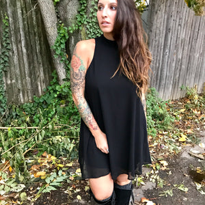 This sexy swinging shift dress is totally far out!  Show Me Your Mumu is on point with their V-Right Back Mini Dress, in black chiffon, this fully lined easy wear dress dotes a high neck line and of course, an easy flowing shape that only makes you want it more. This is a LBD must!  I know I'll have one!