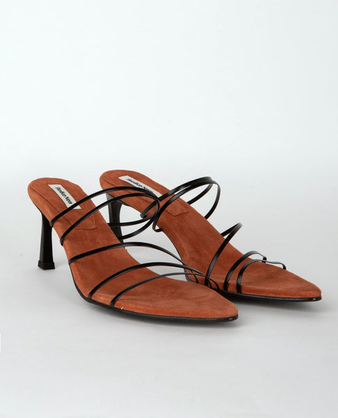 REIKE NEN 5 Strings Pointed Sandals