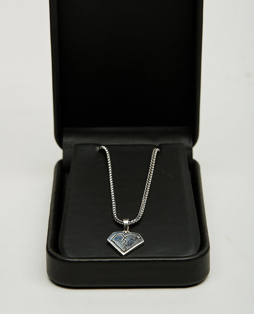 BROKEN HEART CHARM NECKLACE-FOR THOSE WHO SIN-American Rag Cie