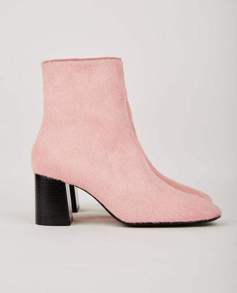 NICOLE SALDAÑA CALLEY BOOT