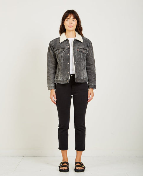 LEVI'S EX-BF SHERPA TRUCKER JACKET IN FADE TO BLACK