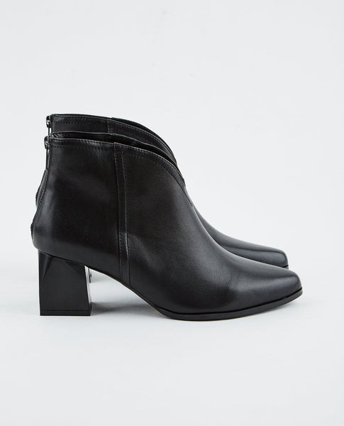 INTENTIONALLY BLANK JAKE BOOTIE
