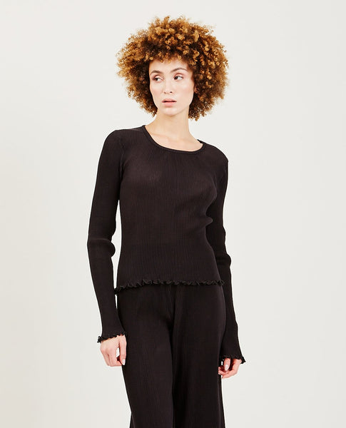 PRISCAVERA Long Sleeve Pleated Top