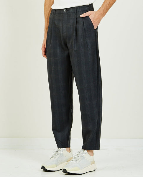 A KIND OF GUISE PLEATED WIDE TROUSERS