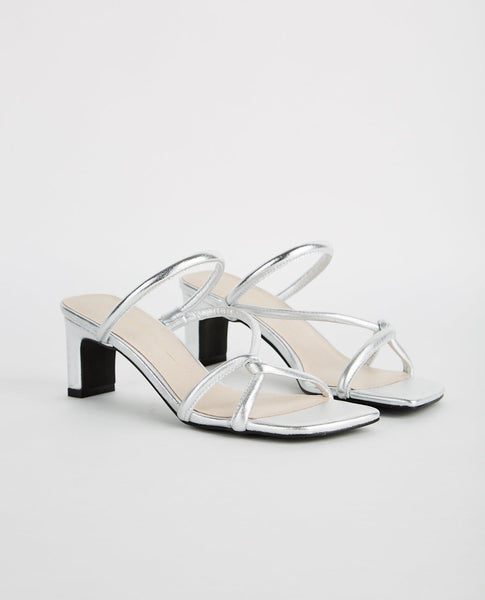 INTENTIONALLY BLANK WILLOW SQUARE HEEL STRAPPY SANDAL