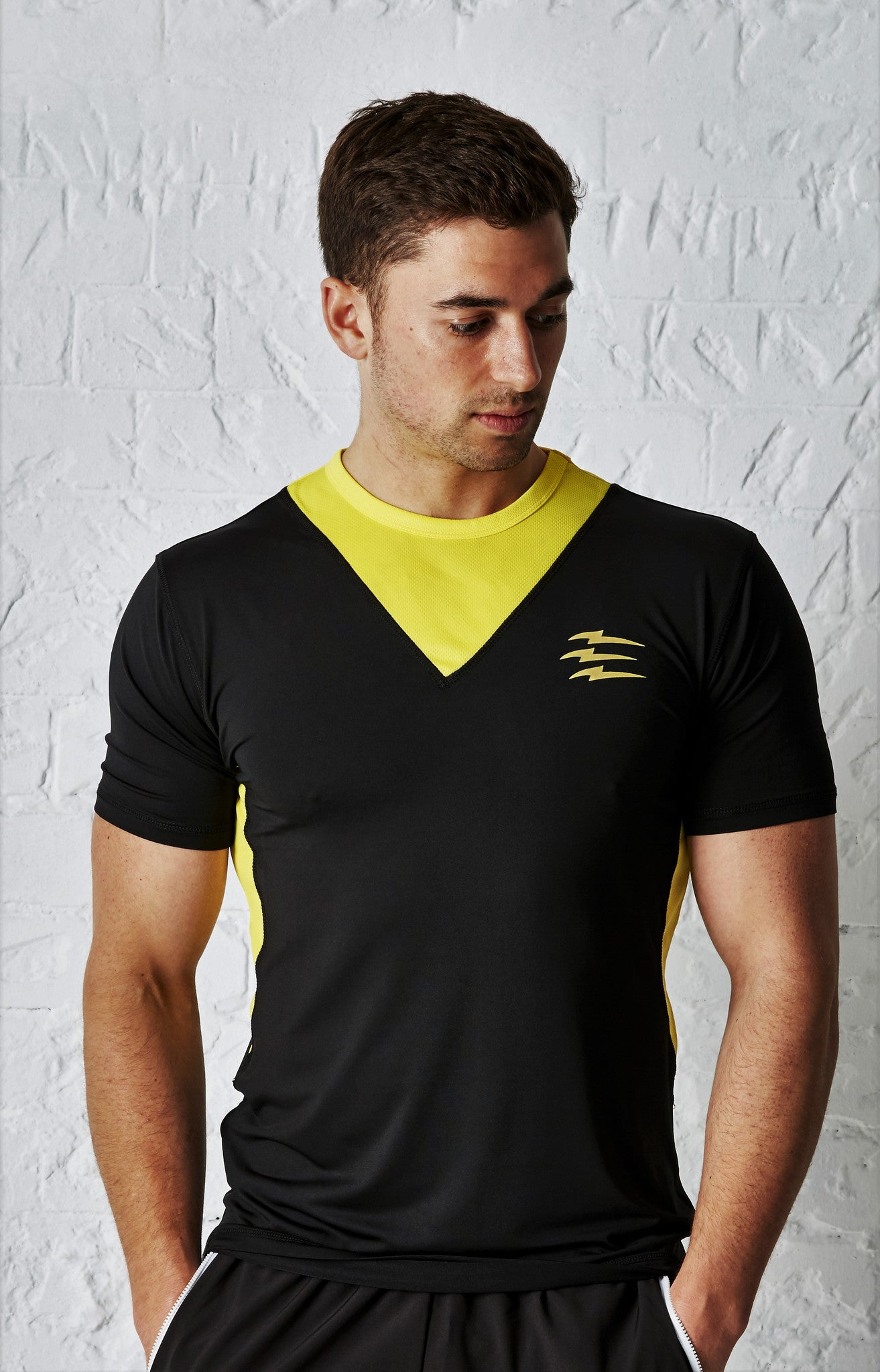 PREDACORE ASPECT T-SHIRT - BLACK/YELLOW