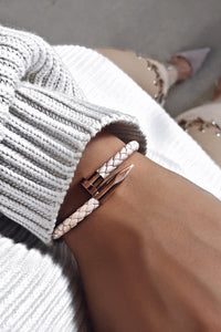 TWISTED NAIL BRACELET - PINK LEATHER