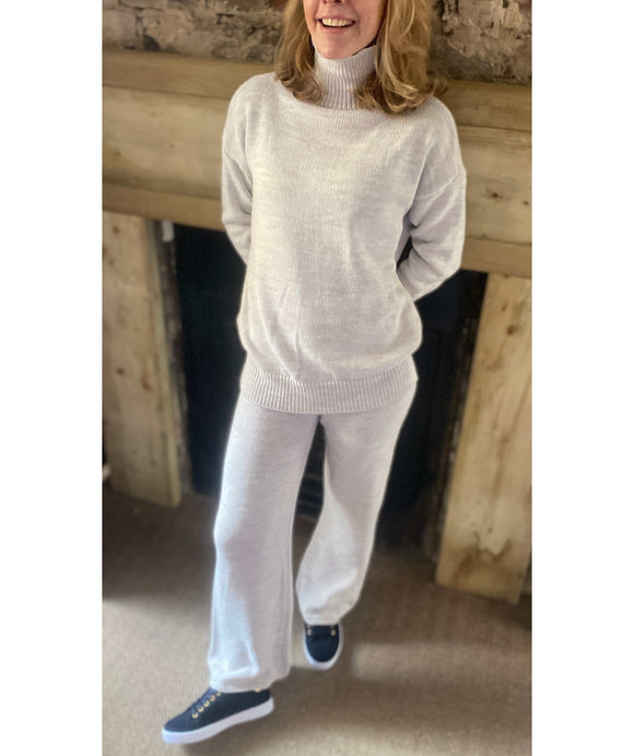 Knit Jumper and Trousers Lounge Set Made in Italy, Beige
