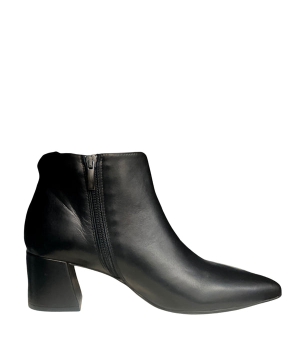 Pointy Ankle Boots Block Heel Zip Made in Italy , Black