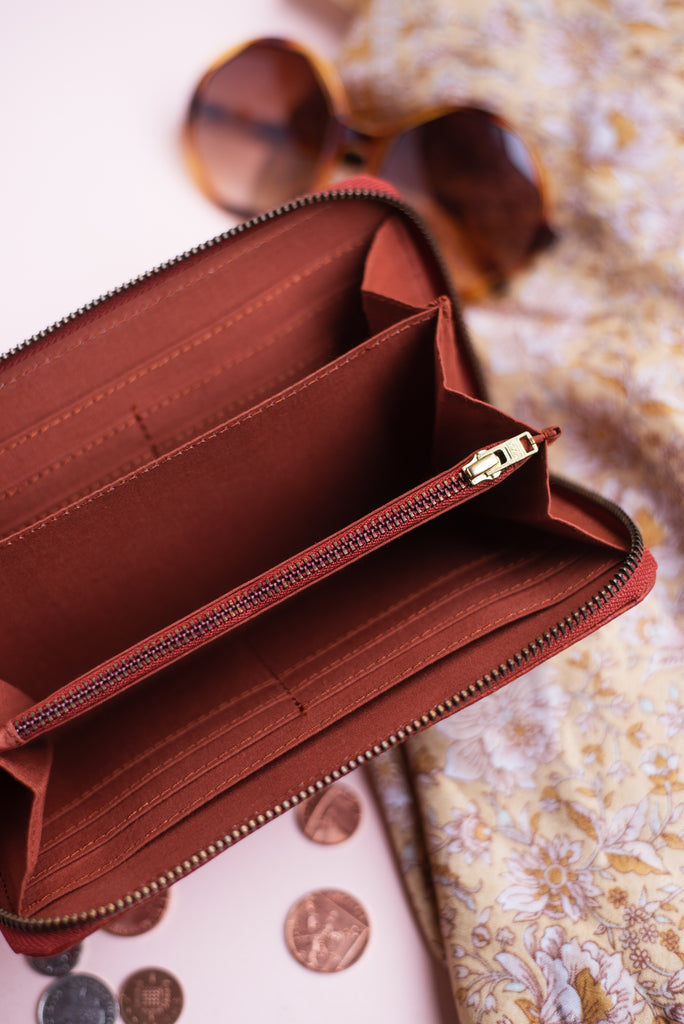 Musa 100% Recycled Purse in Rust
