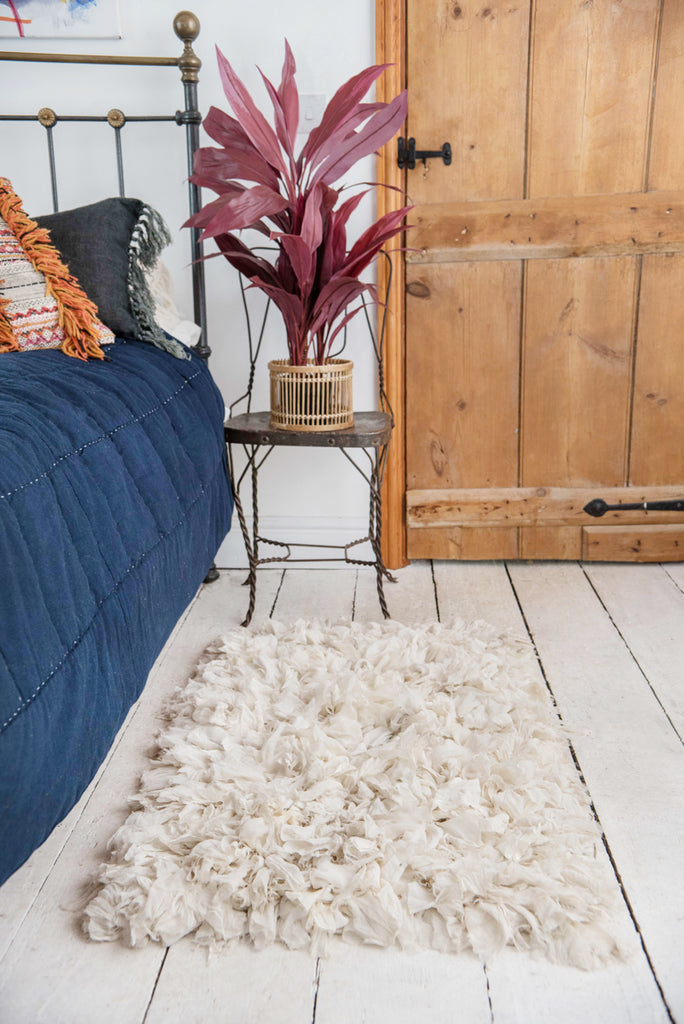 White Recycled Silk & Crepe Shaggy Rug
