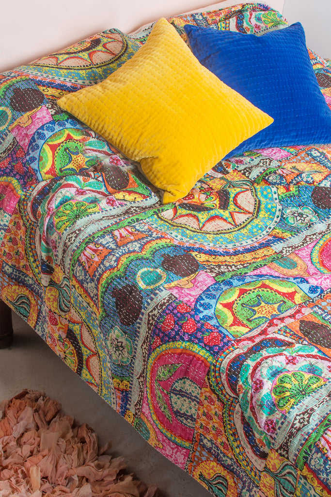 Talaiassa Cotton Gudri Double Bedspread