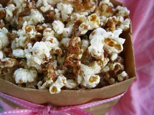 Popcorn with Cinnamon & Maple & Nuts