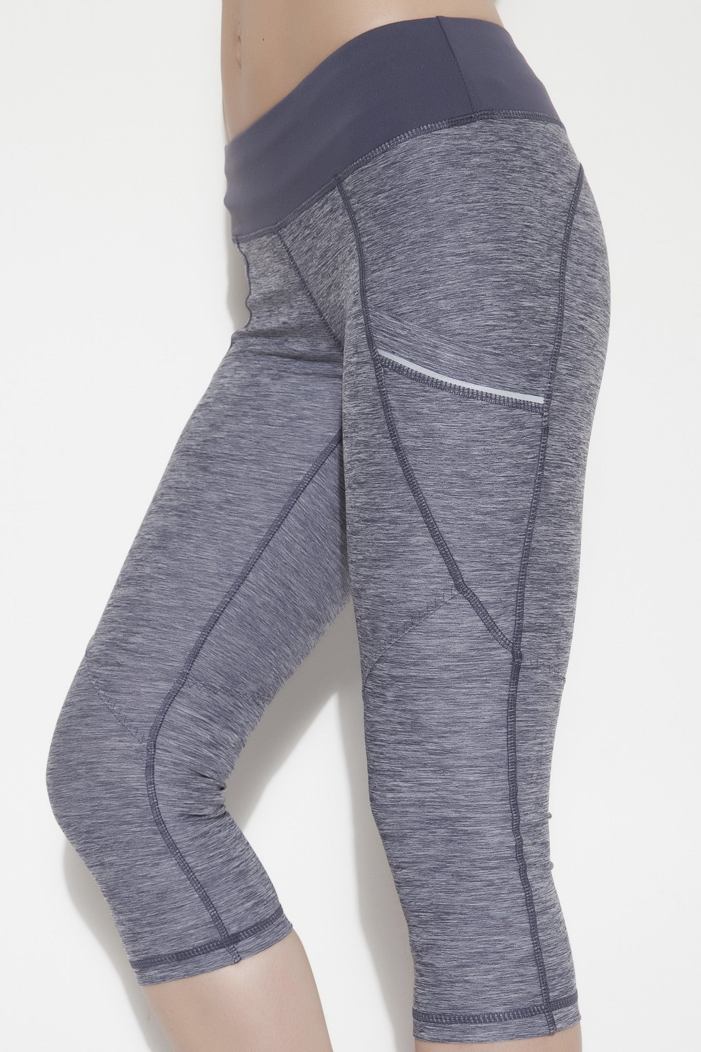 Dynamic Cropped Legging