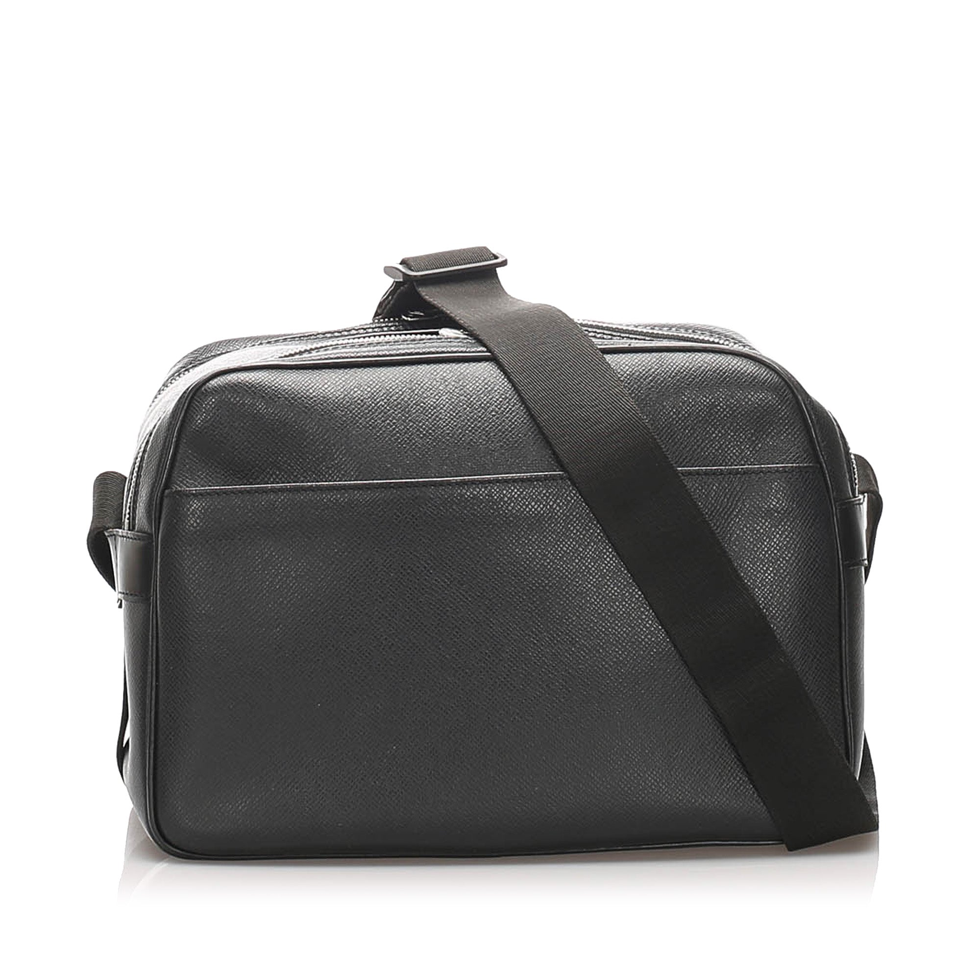 Louis Vuitton Black Taiga Reporter PM