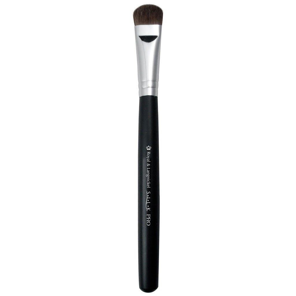 Full view of S.I.L.K® All Over Shadow makeup brush facing left