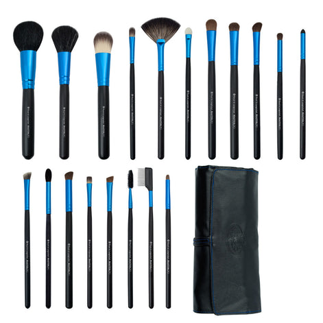 Master Pro™ Professional 20-piece Kit - makeup brushes lined up side-by-side next to brush wrap
