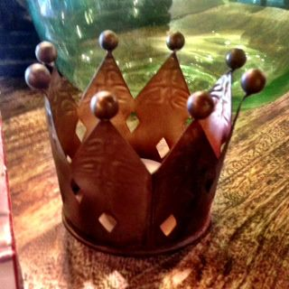 Crown Votive