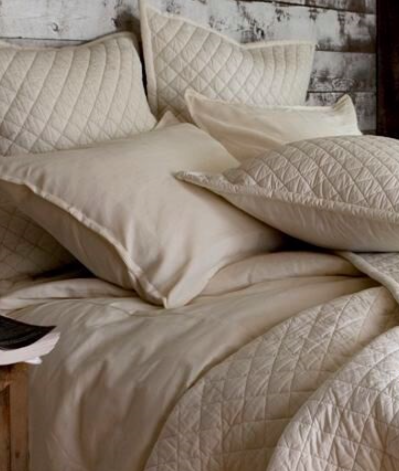 Diamond Quilted Coverlet in Ivory