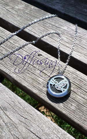 Round Silver New Flying Dove (25mm) Aromatherapy / Essential Oils Diffuser Locket Necklace