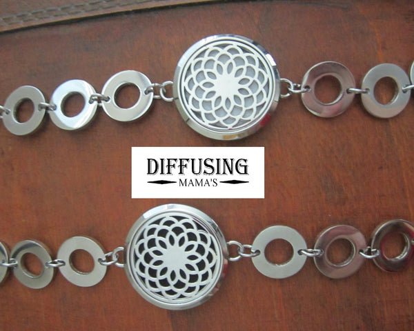 Round Silver Lotus Flower (30mm) with Circle Band Aromatherapy / Essential Oils Diffuser Locket Bracelet