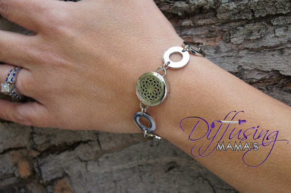 Round Silver Lotus Flower (20mm) with Circle Band Aromatherapy / Essential Oils Diffuser Locket Bracelet