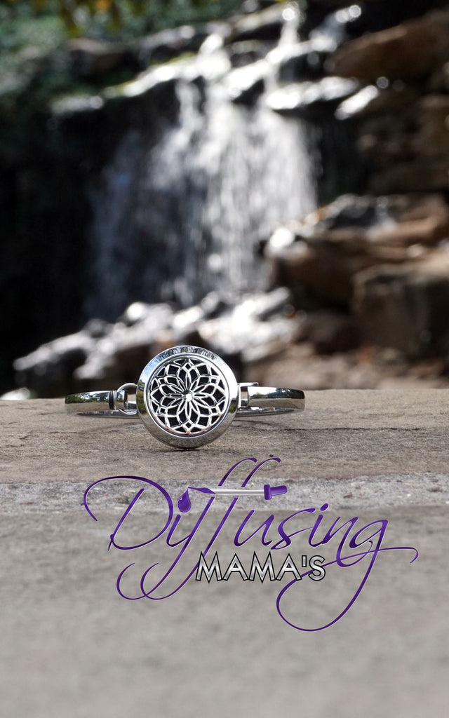 Round Silver New Lotus Flower (25mm) Aromatherapy / Essential Oils Diffuser Locket Bangle Bracelet