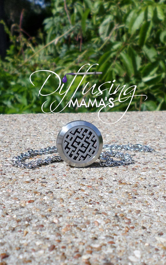 Round Silver Maze (25mm) Aromatherapy / Essential Oils Diffuser Locket Necklace