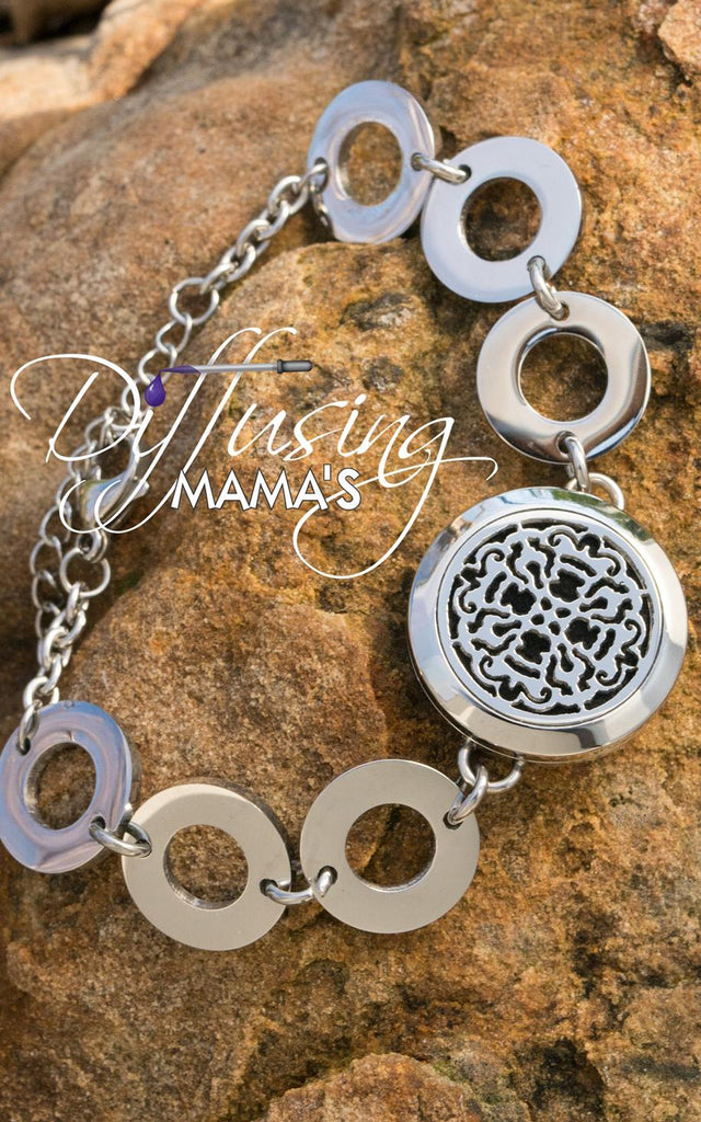 Round Silver Old World Cross (25mm) with Circle Band Aromatherapy / Essential Oils Diffuser Locket Bracelet
