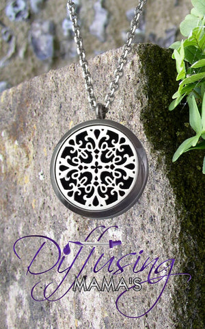 Round Silver La Renaissance (30mm) Aromatherapy / Essential Oils Diffuser Locket Necklace
