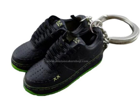 mini sneaker keychains Air Force 1 KAWS (2008)