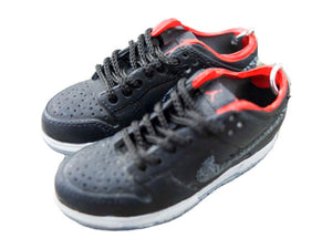 Mini sneaker keychain 3D Dunk - Black and Red
