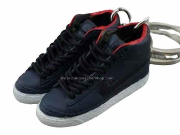 mini 3D sneaker keychains Nike Blazer - Black/Red