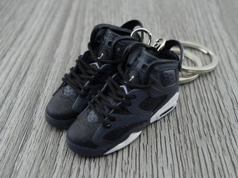 Mini Sneaker Keychains Air Jordan 7 - Black Cat